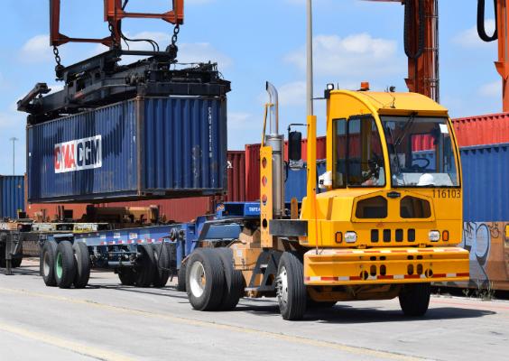 Terminal Tractors & Yard Trucks | Autocar Heavy Duty Trucks